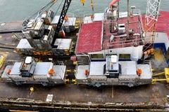 Maultiere an Panamakanal lizenzfreie stockfotos