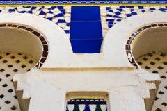 Mauretańskiego łuku okno łuku arabesk zdjęcie stock