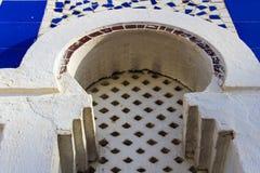 Mauretańskiego łuku okno łuku arabesk zdjęcie royalty free