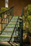 Maurisches Artfliesentreppenhaus, Spanien stockfotografie