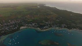 Mauritius antennskott av kusten och fastlandet stock video