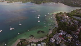 Mauritius Island och yachter i fjärden, flyg- sikt arkivfilmer
