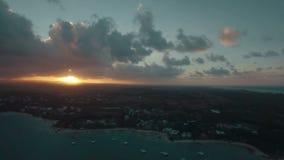 Mauritius Island på solnedgången, flyg- sikt lager videofilmer