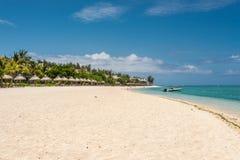 Mauritius svart flod landskap, strand på Le Morne Arkivfoto