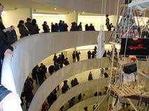 Maurizio Cattelan: Alla på Guggenheimen NYC 31 Arkivfoton