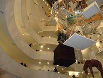 Maurizio Cattelan: Alla på Guggenheimen NYC 35 Arkivbild
