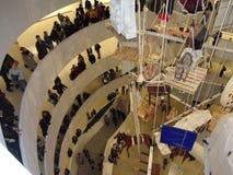 Maurizio Cattelan: Alla på Guggenheimen NYC 36 Royaltyfria Foton