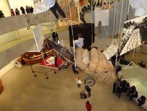 Maurizio Cattelan: Tutti al Guggenheim NYC 90 Immagini Stock