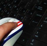 Maus auf der Tastatur stockfoto