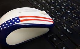Maus auf der Tastatur lizenzfreies stockfoto