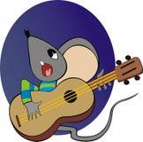 Maus mit einer Gitarre Stockbild