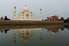 Mausolée de Taj Mahal - Âgrâ Photo stock