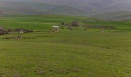 Mausolées dans le village de Kalahana Un complexe commémoratif de photo libre de droits
