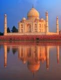 Mausoléu de Taj Mahal, Agra, Índia imagem de stock