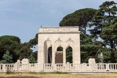 Mausoleo在Janiculum小山的Ossario Garibaldino在罗马 免版税库存照片