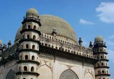 Mausoleo de Golgumbaz, la India Imagen de archivo libre de regalías