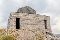 Mausoleo de Njegos en la colina de Lovcen Fotos de archivo