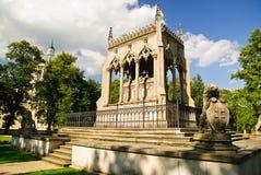 Mausoleo nella sosta - zona del palazzo di Wilanow, Varsavia di Potocki Fotografia Stock