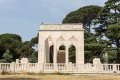 Mausoleoen Ossario Garibaldino på den Janiculum kullen i Rome Arkivfoton