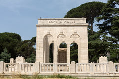 Mausoleoen Ossario Garibaldino på den Janiculum kullen i Rome, Arkivfoton