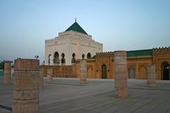 Mausoleum av Mohammed V på den Yacoub al-Mansour promenaden i rommar Royaltyfri Foto