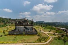 Mausoleum på området Raja Tombs, Madikeri Indien Royaltyfri Bild