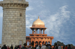 Mausoleum Taj Mahal ist gelegen in Agra, Indien Lizenzfreie Stockfotografie
