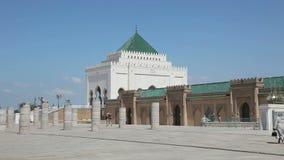 Mausoleum von Mohamed V in Rabat, Marokko stock footage