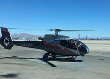 Maverick Airbus Helicopter EC130 décolle de l'aéroport de Las Vegas pour la visite de Grand Canyon Images libres de droits