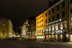 Max Joseph fyrkant och Residenz gata i Munich, Tyskland Arkivfoto