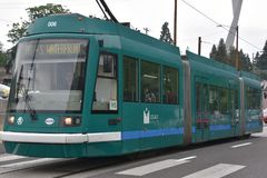 MAX Light Rail Streetcar i Portland, Oregon royaltyfria foton