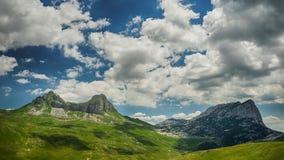 maxima för caucasus dombay bergberg Arkivbilder