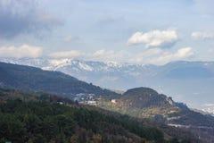 maxima för caucasus dombay bergberg Arkivbild