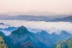 Maxima med havet av moln i Bajiaozhai royaltyfri foto