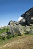Maximala områdeskvarnstenar på Stanage kantar, Derbyshire Royaltyfri Bild
