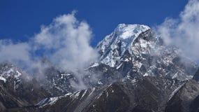 Maximum av Hungchhi, högt berg på denKina gränsen arkivfoton