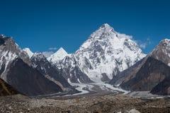 Maximum för berg K2, i andra hand högst berg i världen, trek K2, royaltyfria foton