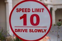 Maximum snelheid - 10 - Aandrijving langzaam royalty-vrije stock foto