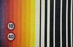 Maximum snelheidteken op de straat van Lissabon Royalty-vrije Stock Foto