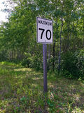 Maximum soixante-dix kilomètres par signe d'heure Photos stock