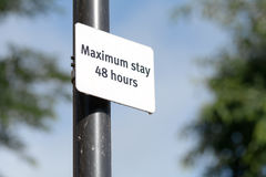 Maximum Stay - 48 hours sign. On lamp post Royalty Free Stock Photography