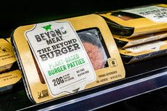Free May 17, 2019 Cupertino / CA / USA - Beyond Meat Burger Packages Available For Purchase In A Store In San Francisco Bay Area Royalty Free Stock Photo - 147966995