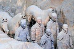 May-07-2017 : L'armée, les guerriers et les chevaux de terre cuite Xian Chine Images libres de droits