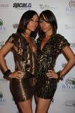 Maya & Nandy dell'eroina dicembre del gruppo che arriva all'evento di Royale del casinò della celebrità Fotografia Stock Libera da Diritti