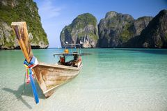 Maya Bay. A longtail boat sits in Maya Bay, Koh Phi Phi Ley, Thailand Stock Photos