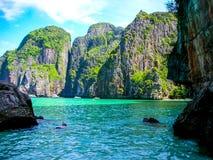 Maya Bay Phi Phi lslands, Phi Phi Leh, Thailand royaltyfri foto