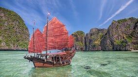 Maya Beach With Original Chinese Boat Near Phuket Royalty Free Stock Photography