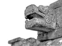 Maya Carved Stone Scultpure em Chichen Itza imagens de stock