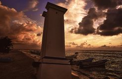 Maya de la Riviera de phare de coucher du soleil de Puerto Morelos photo libre de droits