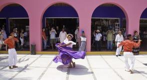 Maya México da costela - dançarinos tradicionais Foto de Stock